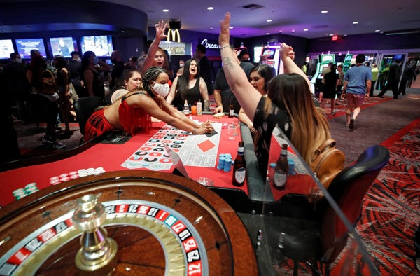 These Casino Staffers Are Working In Fear Amid Coronavirus